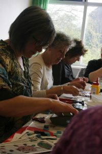 Creatieve kunst workshop op locatie vriendinnen familie mozaïek Noord-Holland afscheid collega